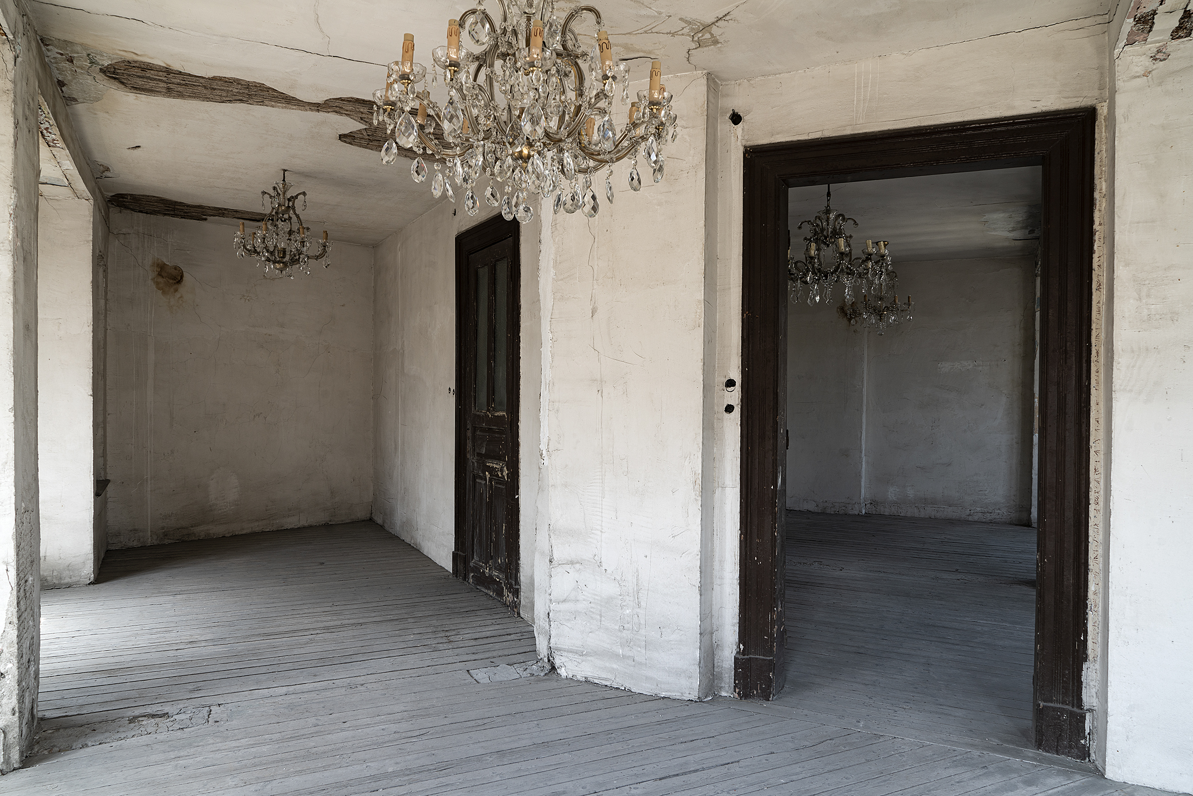 Gian-Maria-Tosatti-Kalbim-Ayna-Gibi-Bos-–-Istanbul-Bolumu-2021-11